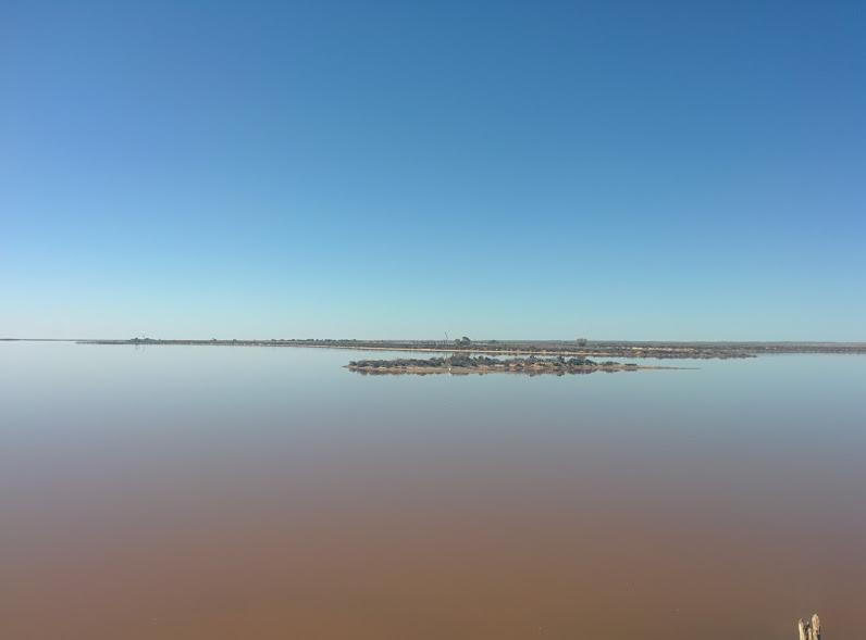 sea-lake-reflections