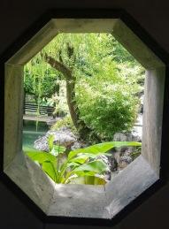 lingering garden 8